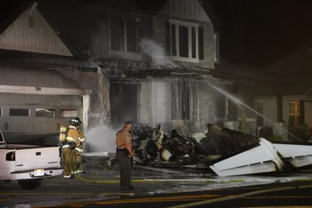 Police: Small plane crashes into Utah house, killing pilot