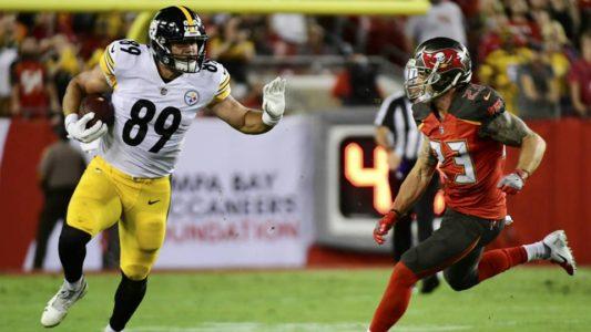 Roethlisberger shines, Steelers hold off Buccaneers 30-27