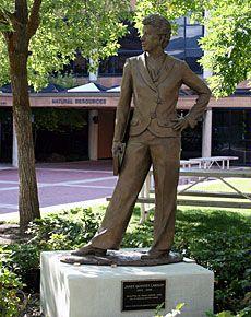 New sculpture taking shape at Utah State University