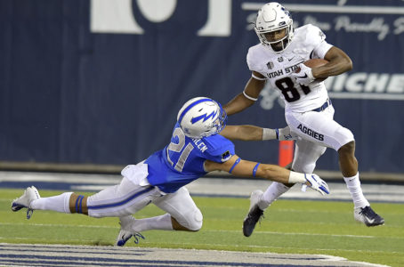 Utah State holds off Air Force for 42-32 win