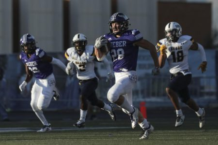 Freshman Davis leads Weber State past N. Colorado 45-28