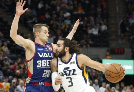 Jazz Rout Adelaide 36ers, Improve to 3-0 in Preseason