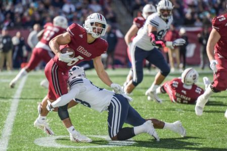 BYU scores 35 straight, tops UMass 35-16