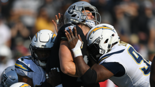 Rivers leads Chargers to 6th straight win, 20-6 over Raiders