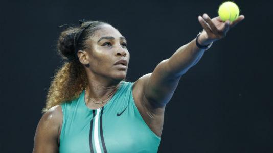 Australian Open: Serena Williams beats No. 1 Simona Halep to advance