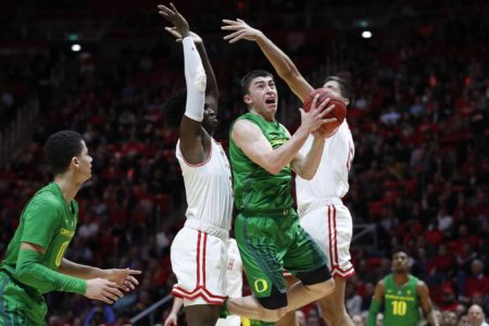 Richardson's 19 points, Oregon's defense break Utah 78-72