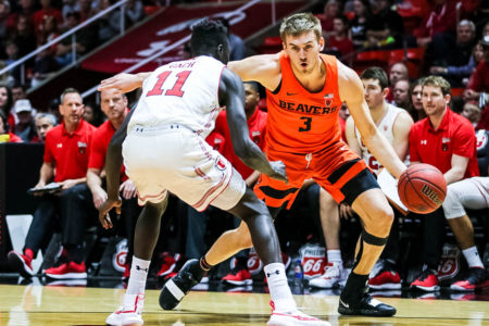 Tinkle scores 31, Kelley sets blocks mark as OSU beats Utah