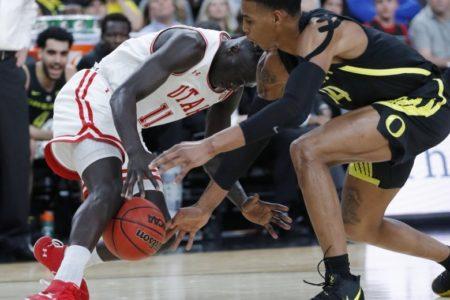 Oregon locks down Utah in 66-54 win in Pac-12 quarterfinals